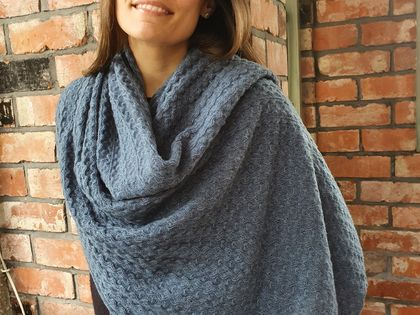 Fluffy Lace wrap in Cashmere Silk Merino