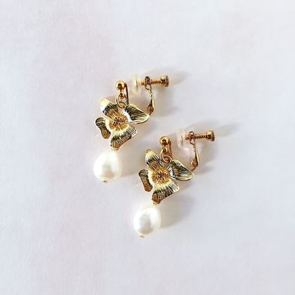 Floral Pearl Clip On Earrings (Four Petals)