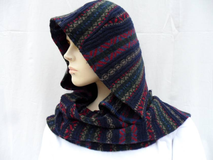 Navy/Patterned Wool Scoody