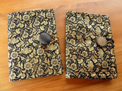 Tea Wallets - Gold on Black