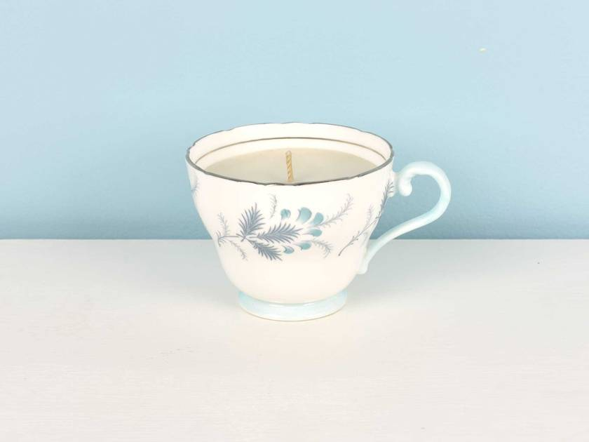 White Tea scented soy teacup candle